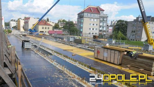 Most na Niemodlińskiej coraz bliżej ukończenia. Kiedy nim pojedziemy?