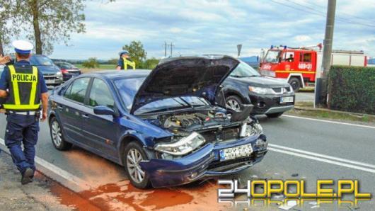 Zderzenie 4 samochodów pod Nysą. 3 osoby w szpitalu