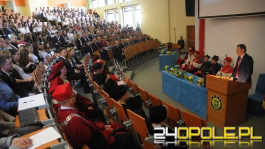 Studenci kierunków medycznych PMWSZ w Opolu zainaugurowali rok akademicki