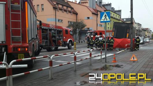 Śmierć na przejściu dla pieszych. Ciężarówka potrąciła człowieka w Strzelcach Opolskich