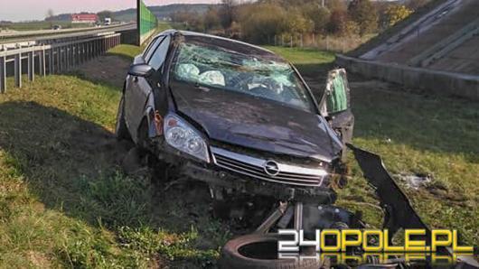 Zakrzów: Opel dachował na A4