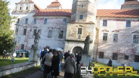 """Zamek w Niemodlinie stara się o """"Najlepszy produkt turystyczny - certyfikat internautów"""""""