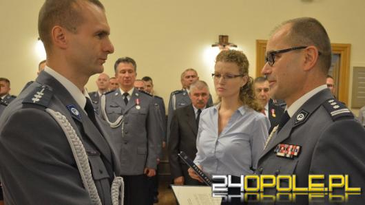 Nowi policjanci zaprzysiężeni, doświadczeni uhonorowani
