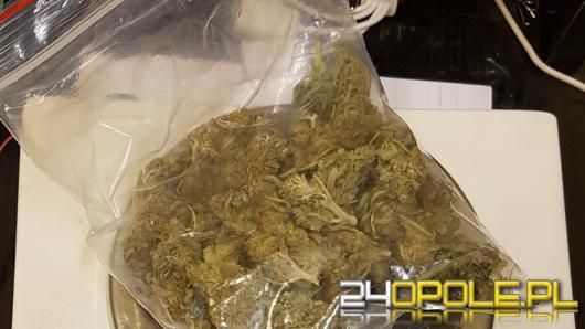 Tytoń bez znaków akcyzowych i marihuana w mieszkaniu 32-latka