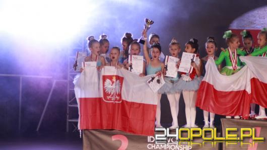 Międzynarodowy sukces Akademii Tańca RAMADA i tytuły Wicemistrzów Świata
