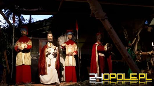 Opolanie odwiedzają żywą szopkę w Szczepanowicach