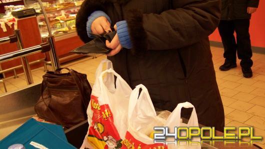 Koniec darmowych foliówek w sklepach.