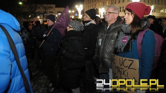 Czarna Środa: blisko 300 osób wzięło udział w strajku w Opolu