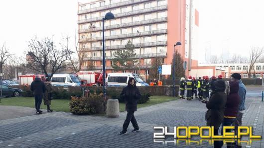 """Alarm bombowy w uniwersyteckim """"Niechcicu"""", ewakuowano studentów"""