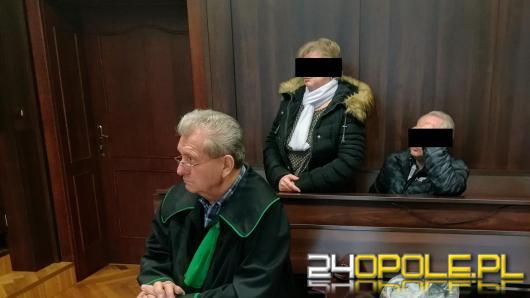 Seniorzy stanęli przed sądem za... produkcję marihuany