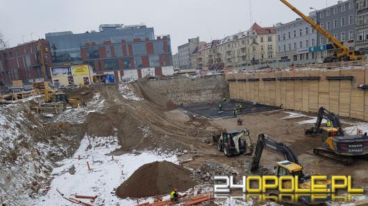 Budowa parkingu pod Placem Kopernika idzie pełną parą