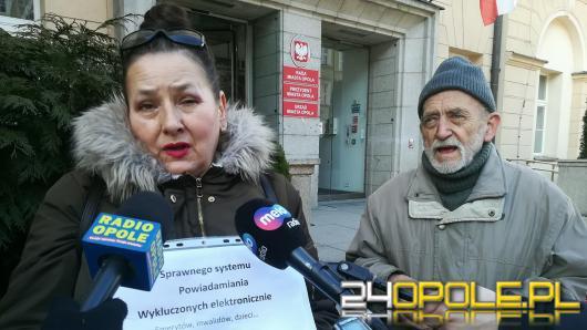 Ekolodzy: Ludzie umierają przez brak informacji ze strony miasta!