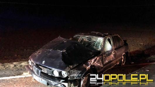 BMW dachowało w Mochowie pod Głogówkiem, jedna osoba nie żyje