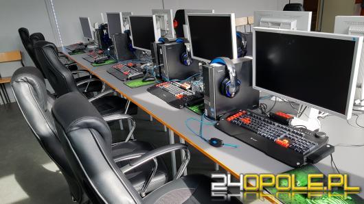 E-sportowa klasa z Ozimka ma nowoczesną salę komputerową