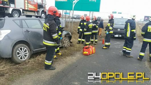 Wrzoski: Kierowca zasnął podczas jazdy i wjechał do rowu