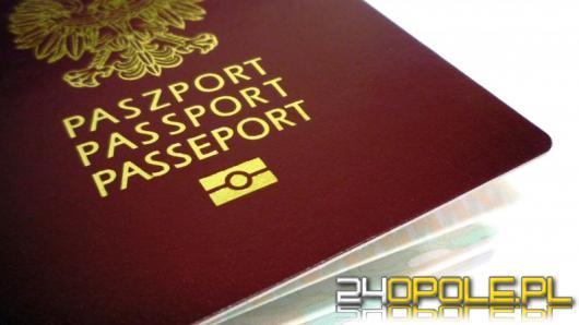 3 Ukraińców nielegalnie pracowało przy układaniu kostki brukowej. Muszą opuścić kraj