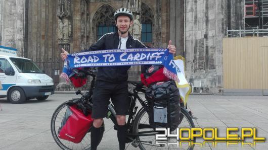 Opolanin chce pojechać rowerem do Rosji na Mistrzostwa Świata, w szczytnym celu