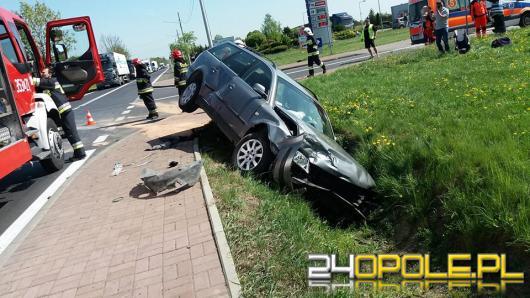Wypadek w Rudnikach, 4 osoby ranne, w tym dwójka dzieci