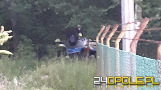 Radiowóz policyjny dachował w Ozimku