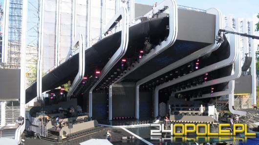 Amfiteatr, po raz pierwszy w historii KFPP, zmieni się w mieniącą narodowymi barwami strefę kibica