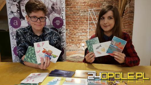 12 zwycięskich projektów pocztówek będzie promować Opole. Sprawdź gdzie można je odebrać
