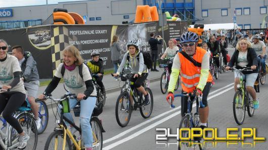 Ponad 400 uczestników pojawiło się na starcie Charytatywnego Rajdu Rowerowego
