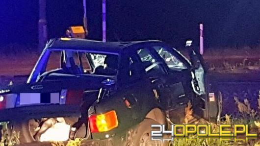 Brzeg: Samochód zatrzymał się na torach. Uderzył w niego pociąg