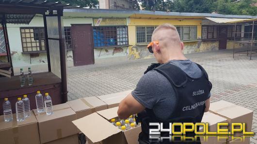 Funkcjonariusze KAS zajęli blisko 800 litrów nielegalnego spirytusu