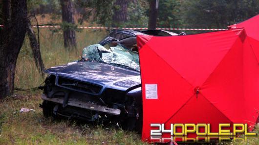 Tragiczny wypadek w Grodźcu, nie żyje 19 letni kierowca