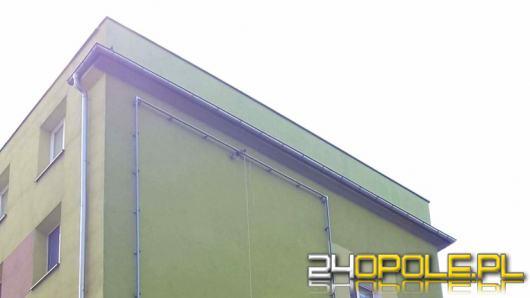 Kontrowersyjny baner został usunięty z budynku w centrum Opola