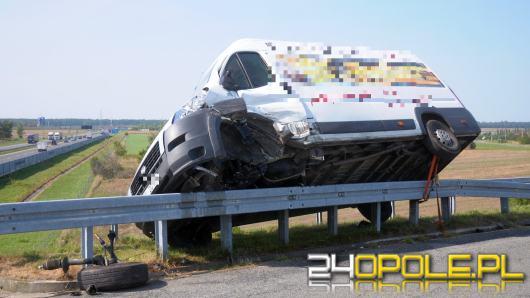Zderzenie pojazdów w Rogowie Opolskim. Ranna została kierująca osobówką