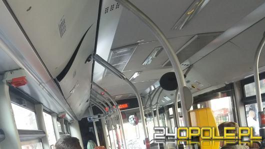 """Czytelnik skarży się na MZK: """"Kierowca wyszedł z autobusu i stanął w kolejce do kiosku"""""""