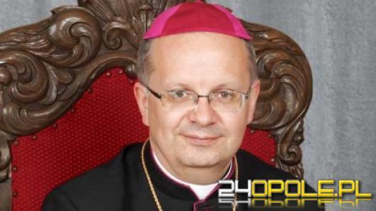 Sześciu kapłanów diecezji opolskiej wykorzystywało seksualnie dzieci - list biskupa Czai