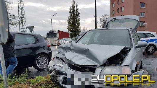 Zderzenie pojazdów na ulicy Armii Krajowej w Opolu