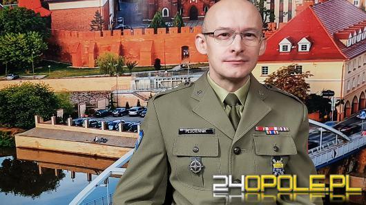Kpt. Piotr Płuciennik - wojsko aktywnie poszukuje kandydatów do służby