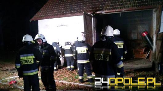 Spłonęła stodoła w Biestrzynniku, znaleziono zwłoki mężczyzny