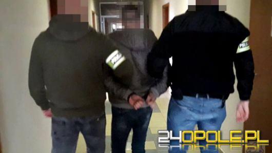 Chciał ukraść alkohol, wyrządził szkody na 9000 złotych