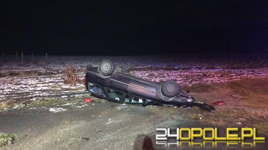 Schodnia: Kierowca stracił panowanie nad samochodem i dachował