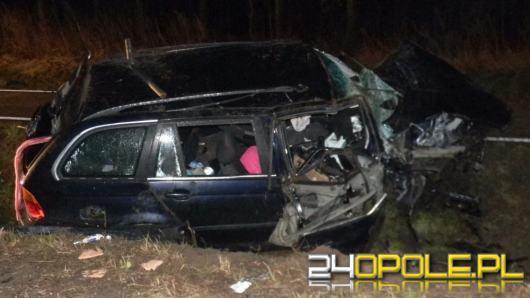 Zabrał koledze samochód, rozbił go na betonowym przepuście
