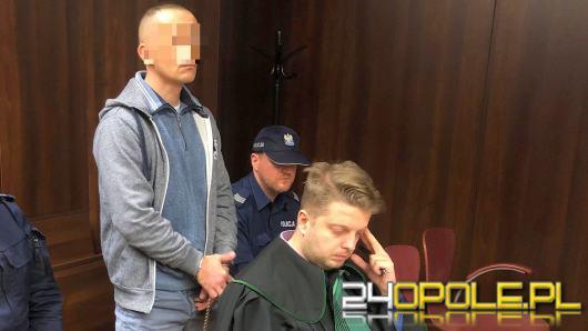 Pobili, ukradli 12 złotych z portfela i chcieli zgwałcić swoją ofiarę. Stanęli przed sądem
