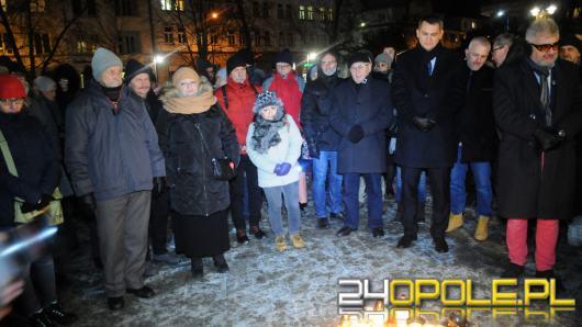 Opolanie modlili się za tragicznie zmarłego Adamowicza