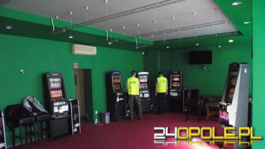 Dwa salony gier i 9 nielegalnych automatów zlikwidowali funkcjonariusze KAS