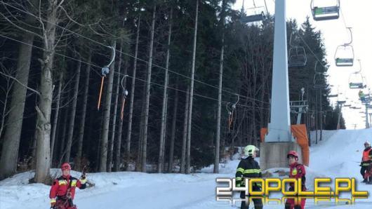 Opolscy strażacy ewakuowali osoby z wyciągu narciarskiego w Czechach
