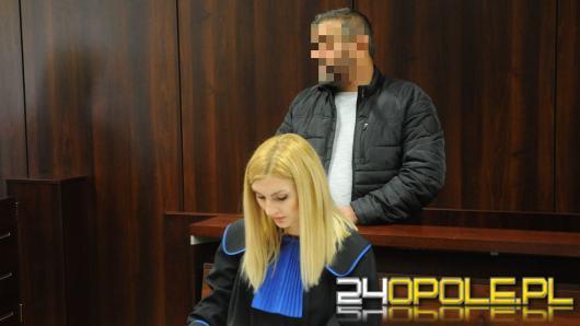 Prokuratura oskarża Tomasza K. o handel ludźmi. Ruszył proces przed sądem