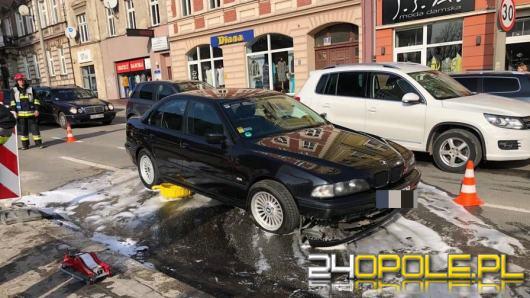 Zderzenie widlaka z BMW spowodowało duże utrudnienia w centrum miasta