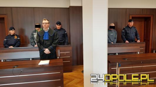 Zabójstwo na Broniewskiego. Bezdomni skazani na 8 i 12 lat więzienia