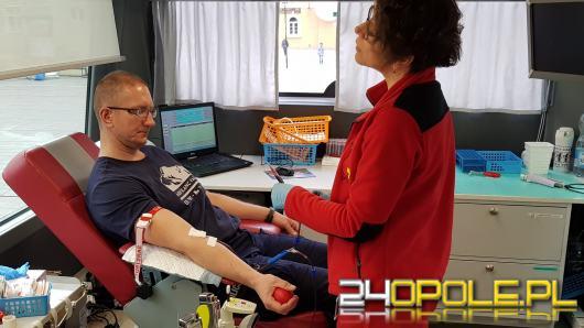 7 litrów krwi oddali policjanci i mieszkańcy Opola podczas specjalnej zbiórki