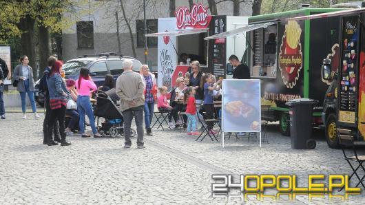 Na parkingu pod NCPP zjechały się food trucki. Do wygrania 5 voucherów !Wyniki