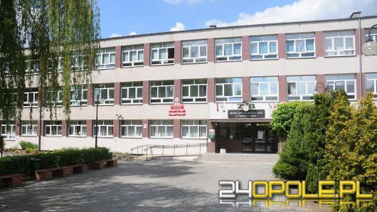 Dziś matura z matematyki. Egzamin w Brzegu rozpoczął się z dwugodzinnym opóźnieniem