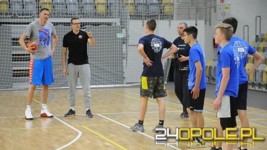 Pierwszy Polak w NBA, Cezary Trybański zachęcał opolską młodzież do uprawiania sportu